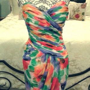 2/$50Victor Costa sweetheart flower splatter dress